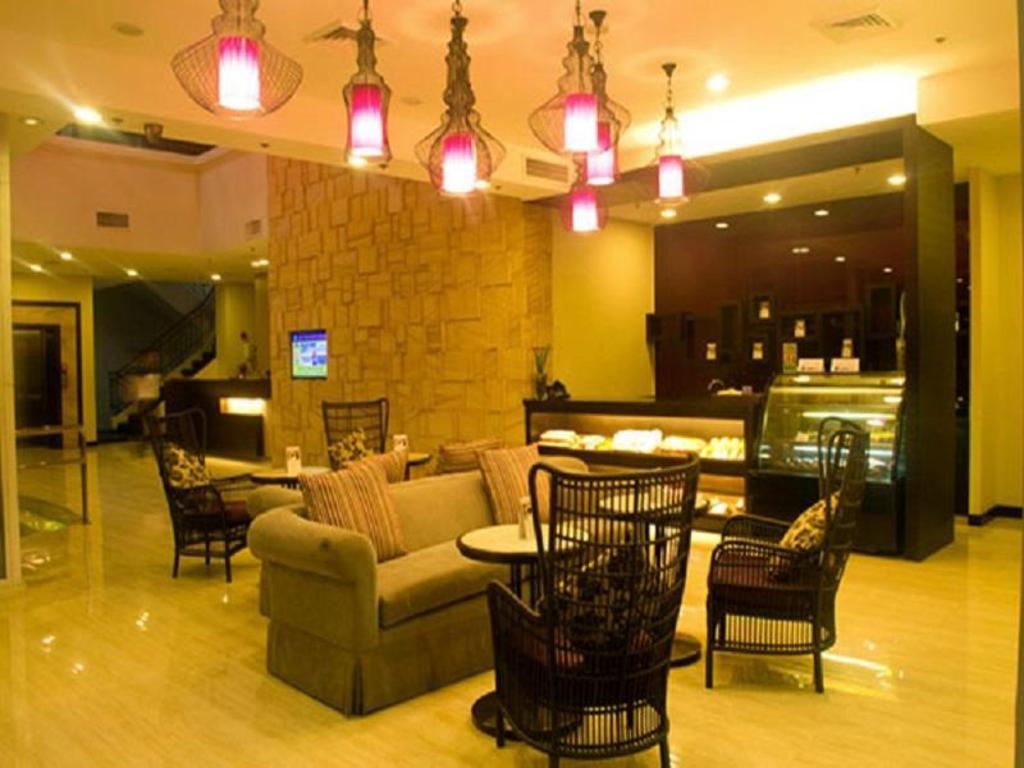 El Cielito Inn Sta Rosa in Laguna - Room Deals, Photos & Reviews