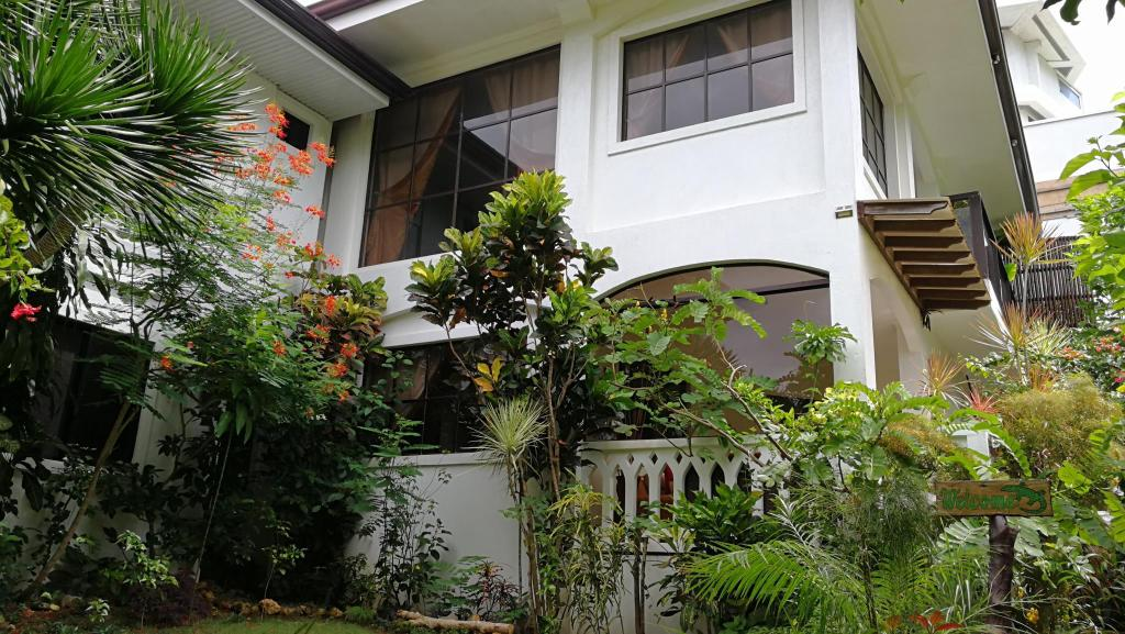 Exterior view Summer Breeze Luxury Holiday Villa Diniwid Boracay