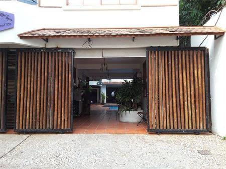 Entrance YK Art House