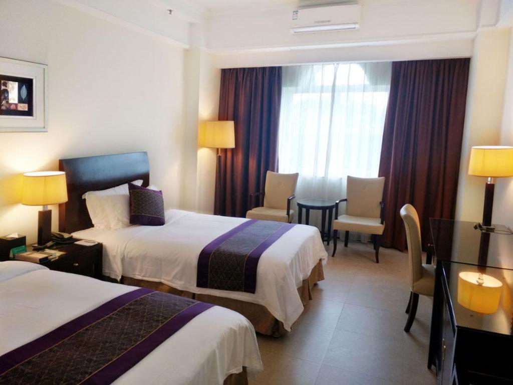 Clifford Golden Lake Hotel In Foshan Room Deals Photos Reviews