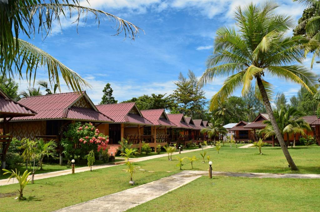 Double Bungalow - Floor plans Lanta Pearl Beach Resort