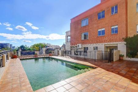 Swimming pool [outdoor] Quality Apartments Camperdown
