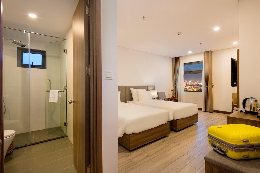 Superior Double or Twin Room with City View - Room plan Gosia Hotel