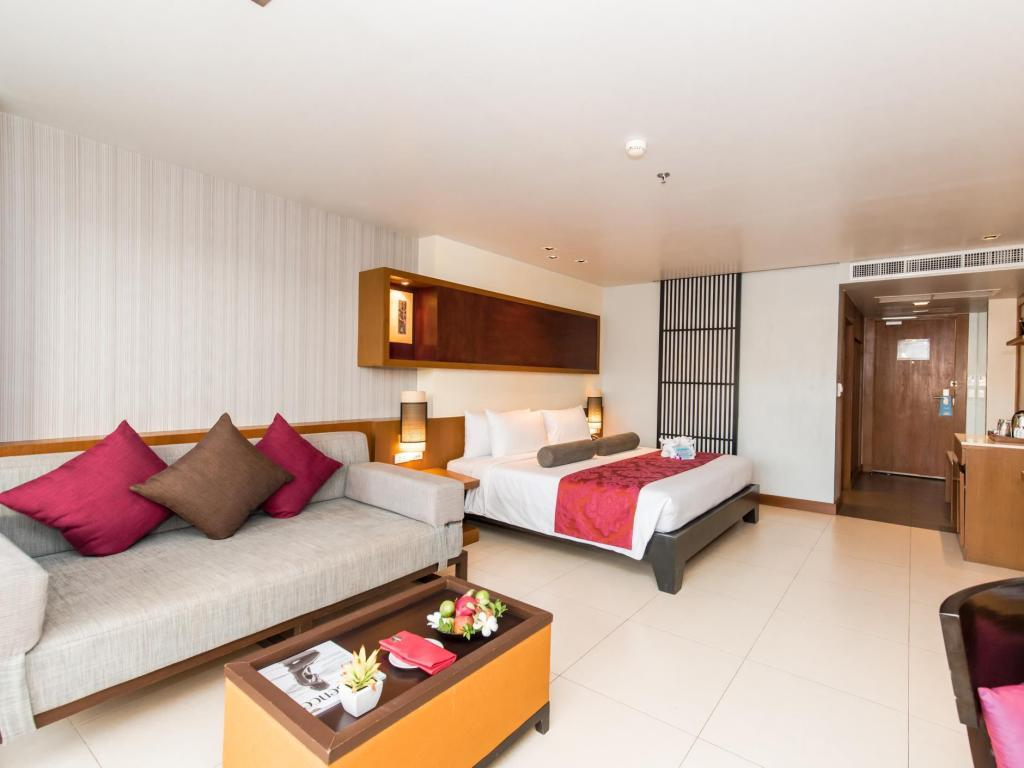 Deluxe Double or Twin - Guestroom Ashlee Hub Hotel Patong