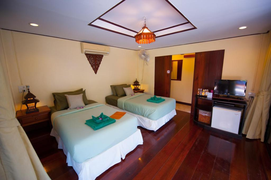 Thai Twin House - Guestroom Koh Kood Beach Resort