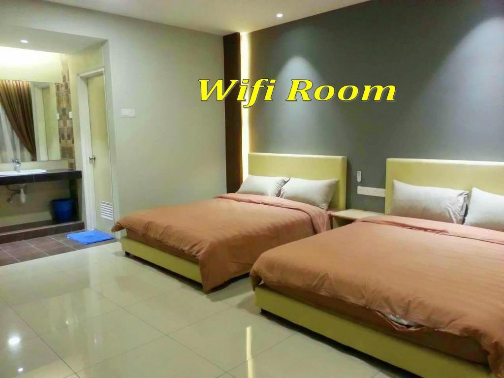 Sky Deluxe Room - Guestroom Malacca Hotel Apartment