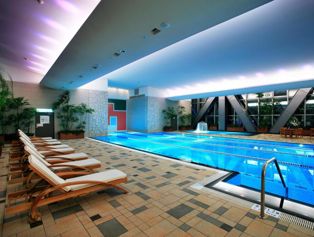 Windsor hotel in taichung room deals photos reviews - Hotels in windsor uk with swimming pool ...