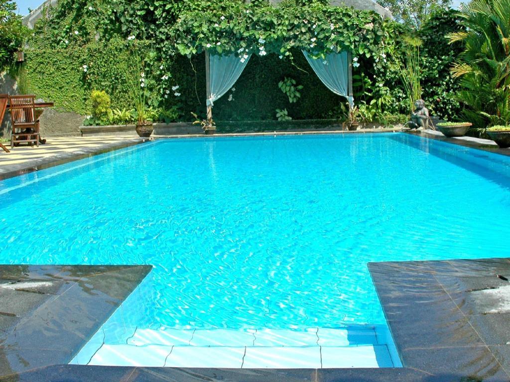 Rumah mertua boutique hotel restaurant yogyakarta in indonesia room deals photos reviews for Jogja plaza hotel swimming pool
