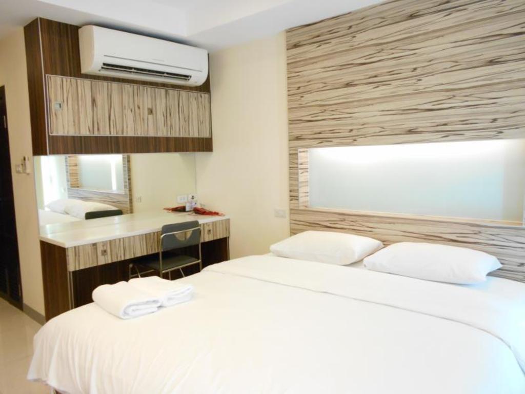 BB Boutique Mansion in Bangkok - Room Deals, Photos & Reviews