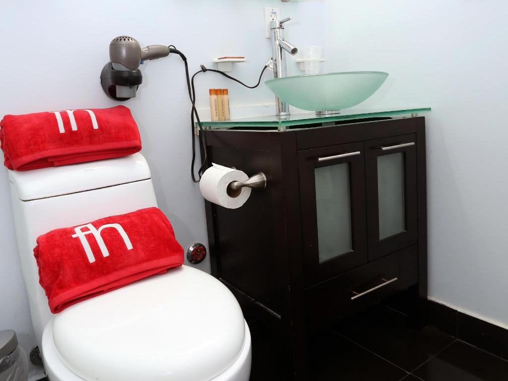 Fashion Double Bed - Bathroom FBH Fashion Boutique Hotel