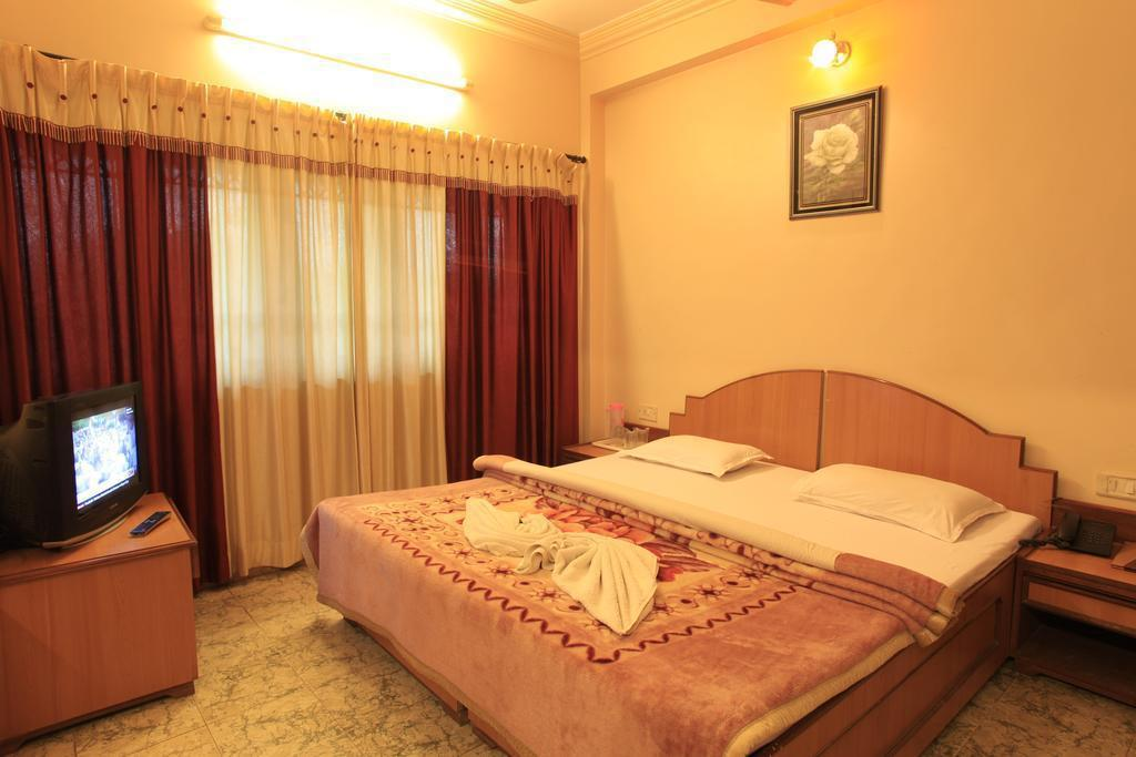 Deluxe Air Conditioning Room Vijay Guest House Trichy