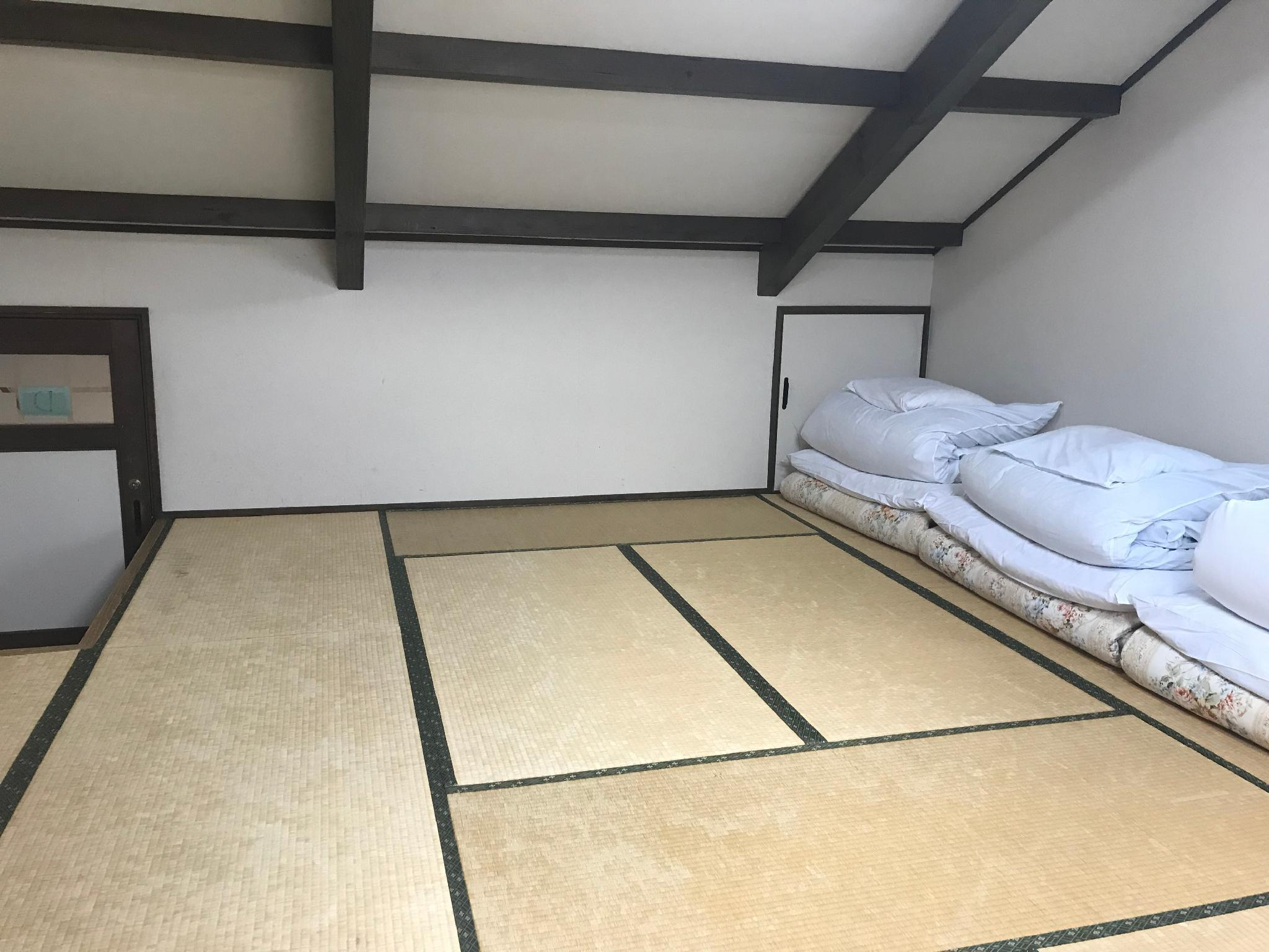 Japanese Style Room for 5 People