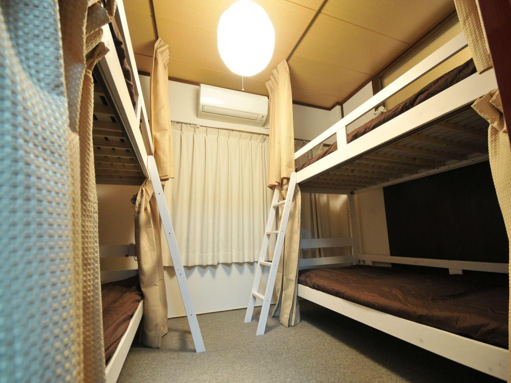1 Person in 4-Bed Dormitory - Female Only - Guestroom Nakatsu Guesthouse Musubu Stay
