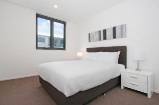 Accommodate Canberra - IQ Smart Apartments