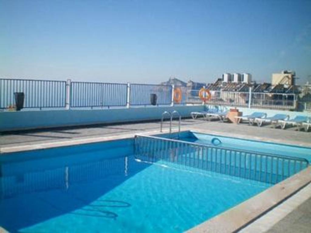 Hotel voramar in benidorm costa blanca room deals photos reviews for Swimming pool repairs costa blanca