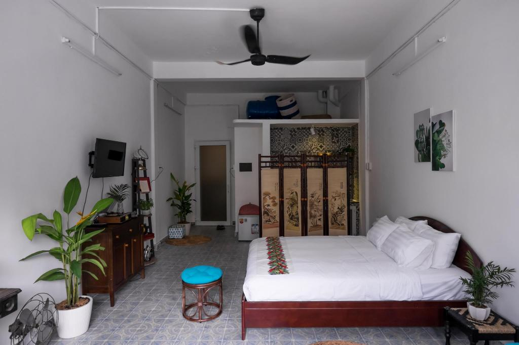 Dreamy House with sunny balcony 5 min to Ben Thanh
