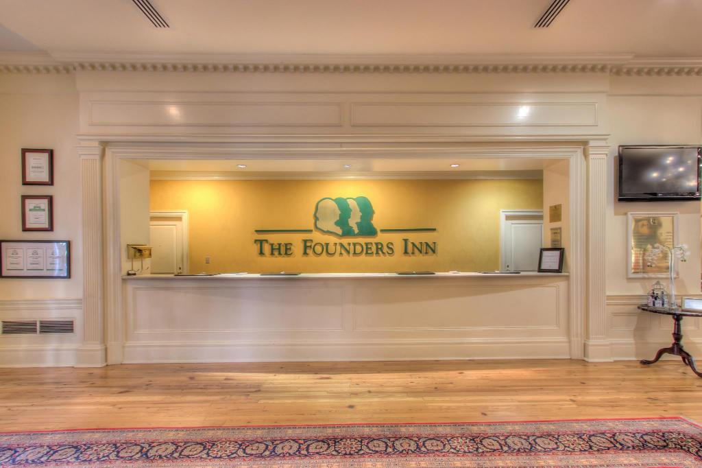 فوندرز إن آند سبا (Founders Inn and Spa)