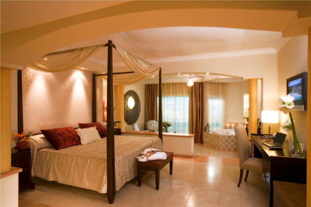 majestic elegance punta cana all inclusive in dominican. Black Bedroom Furniture Sets. Home Design Ideas