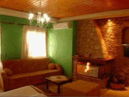 Studio with Fireplace (2 - 3 Adults)