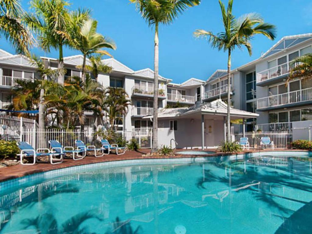 Best price on champelli palms luxury apartments in gold coast reviews for Cheap 2 bedroom apartments gold coast