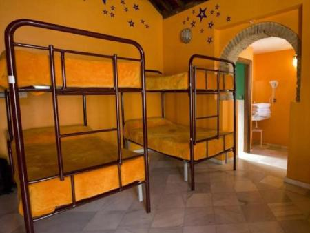 6-Bed Dormitory -- Mixed White Nest Hostel