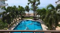 KM Beach Condo, Beachfront & Pool at Pranburi