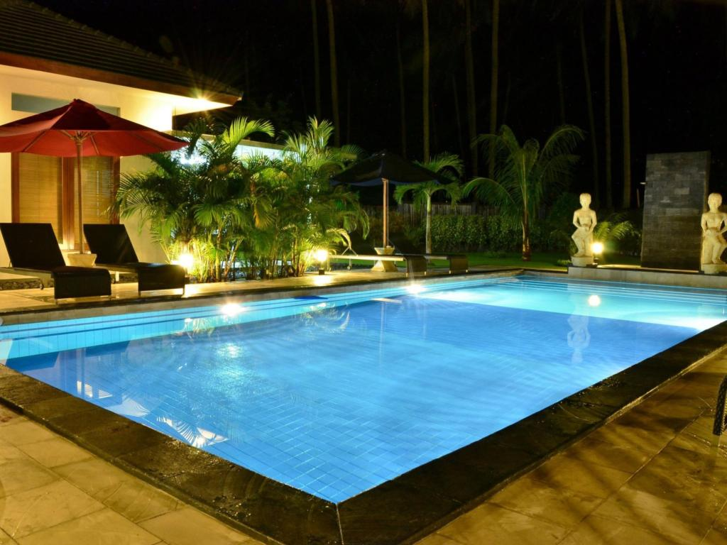 Swimming pool Dream Estate Resort