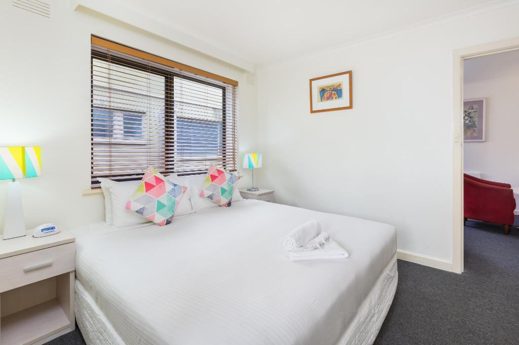 Executive Apartment - Guestroom City Edge Hotel East Melbourne