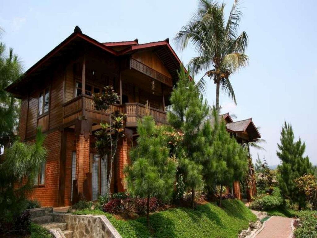 Jambuluwuk Puncak Resort Ciawi Bogor In Indonesia Room