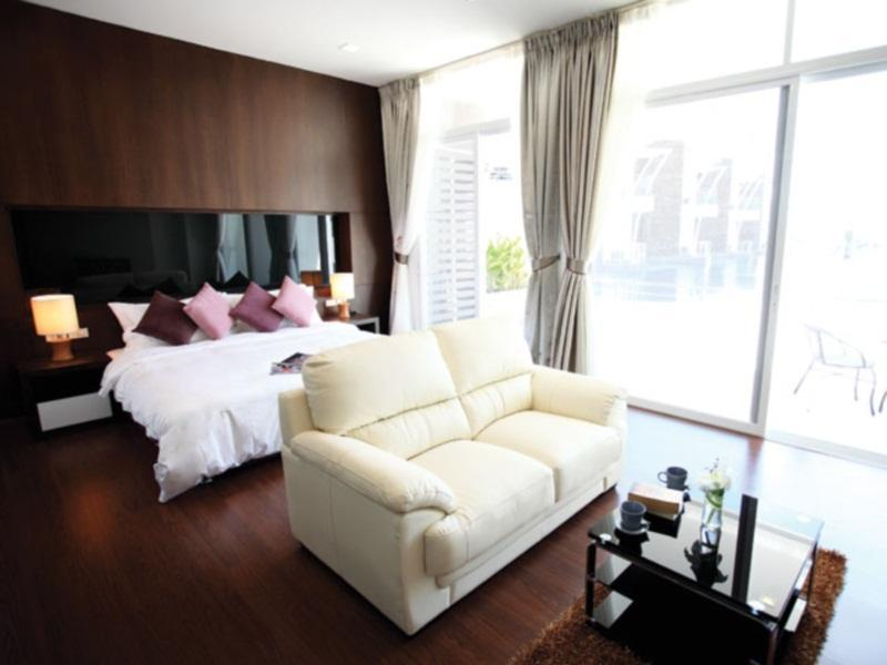 Jednosobni hot. apartman s terasom i bazenom (1 Bedroom Suite Pool Terrace)