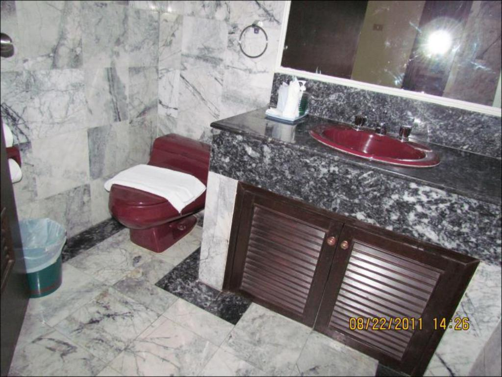 Bathroom Patong Tower Apartment by Patong TC