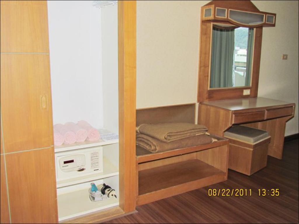 1 Bedroom Mountain View - Guestroom Patong Tower Apartment by Patong TC
