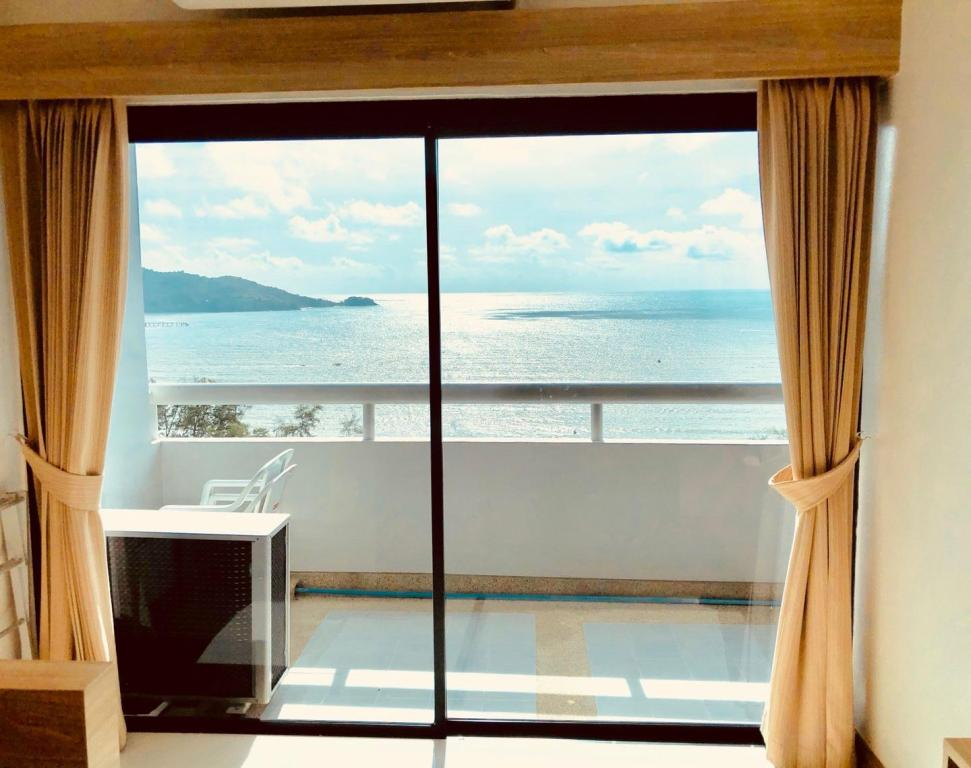 One Bedroom Deluxe Patong Tower Apartment by Patong TC