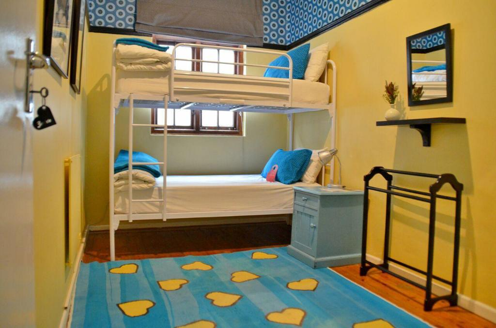 Bunk Bed Twin Room - Bed