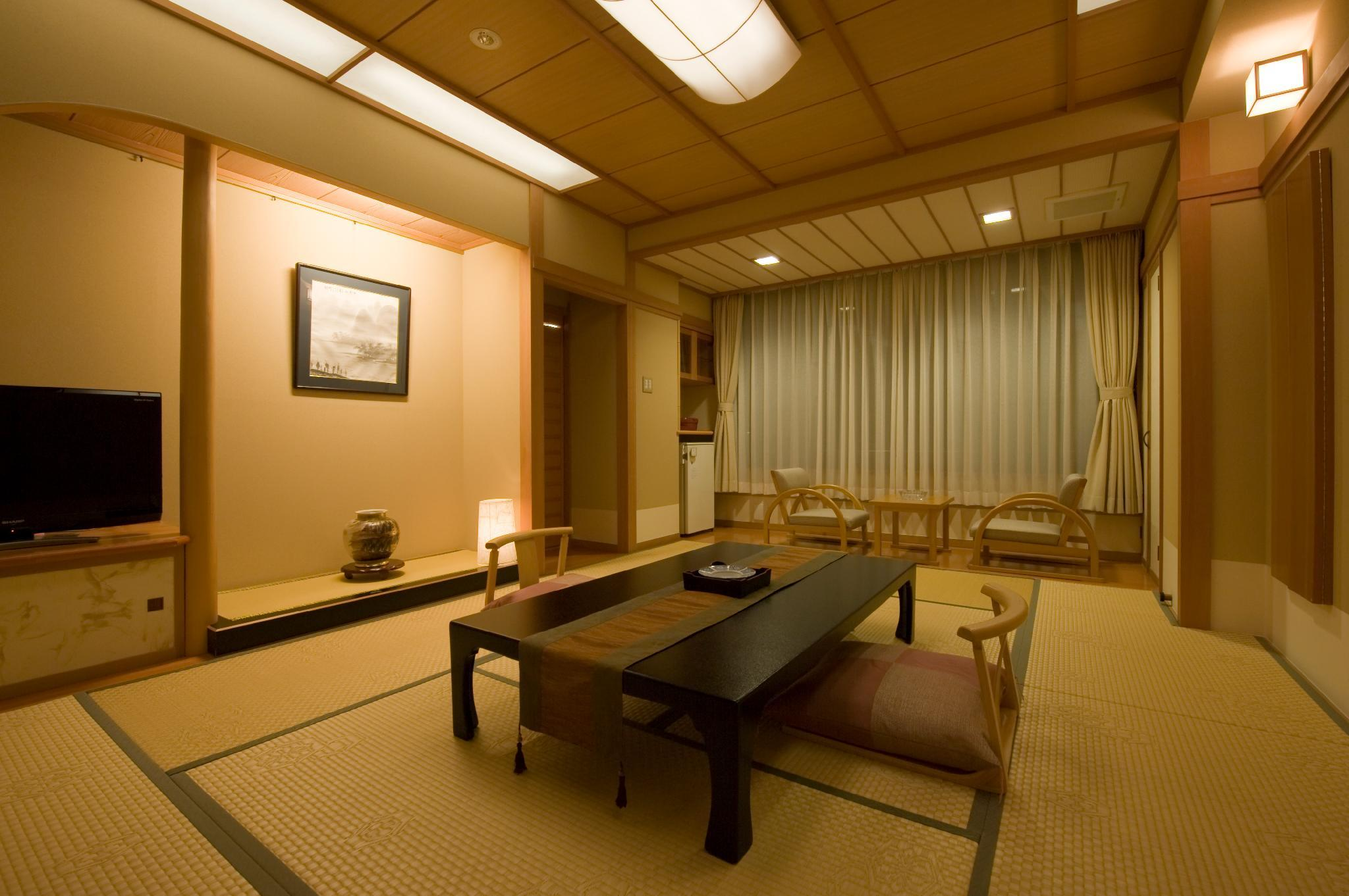 Mount Fuji View Room for 6 People with Tatami Area and Open-Air Bath