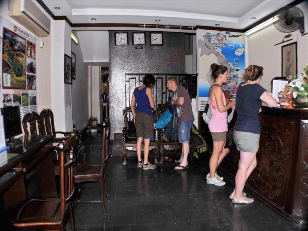 Reception Hanoi City Hostel