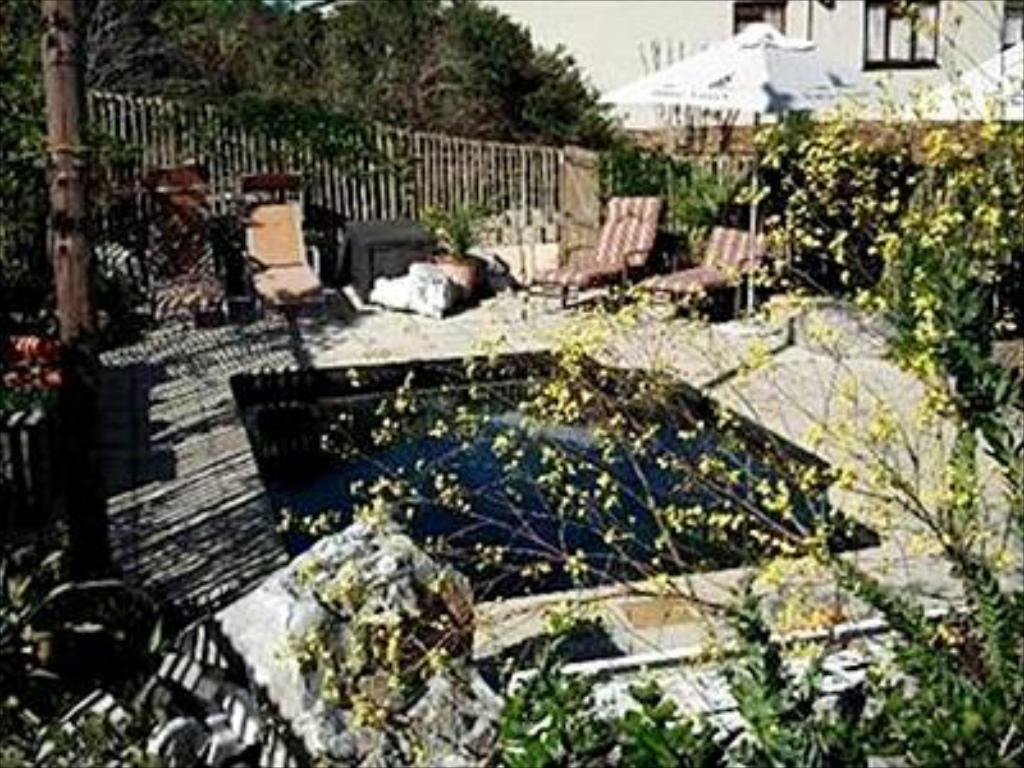 Piscina 78 On 5th in Hermanus Bed and Breakfast