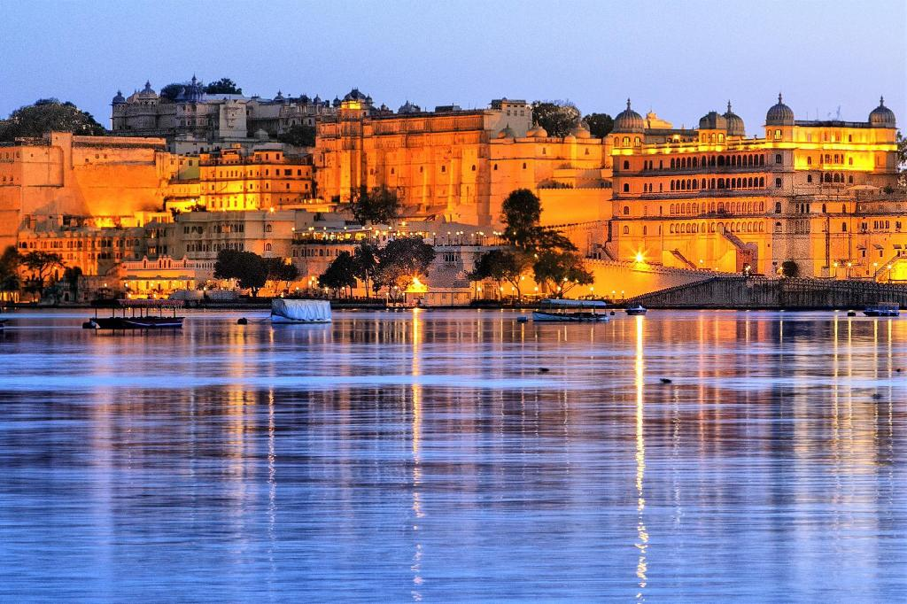 Fateh Prakash Palace - Heritage Grand in Udaipur - Room Deals, Photos & Reviews