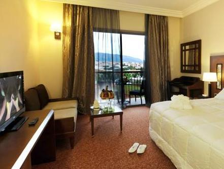 Deluxe Double Room with Pool and Medina View