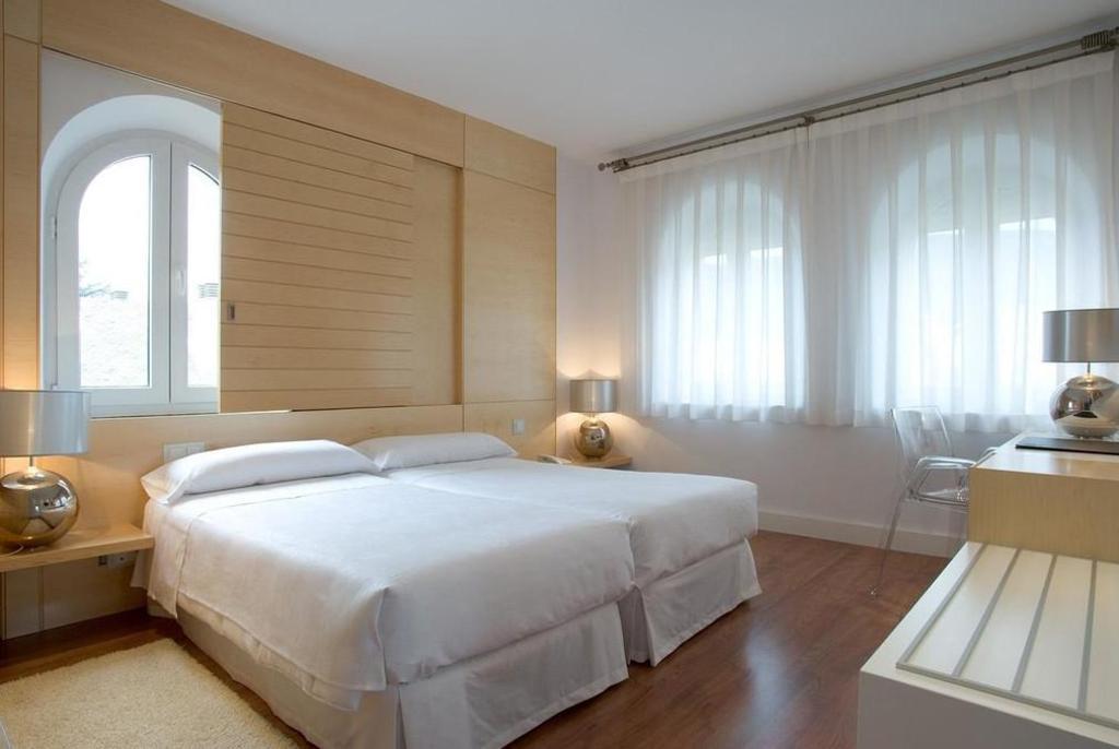 NH El Escorial Victoria Palace Hotel (Madrid) - Deals, Photos ...