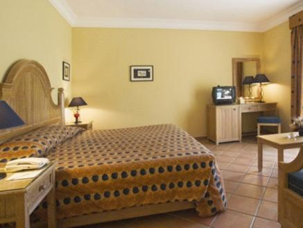 Camera Doppia Vista Piscina (Double Room with Pool View)