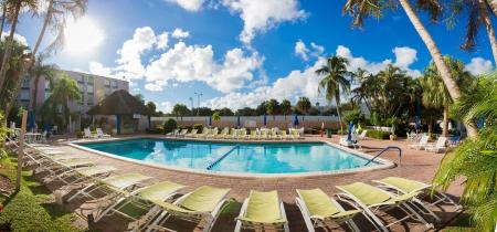 Swimming pool [outdoor] Plaza Hotel Fort Lauderdale