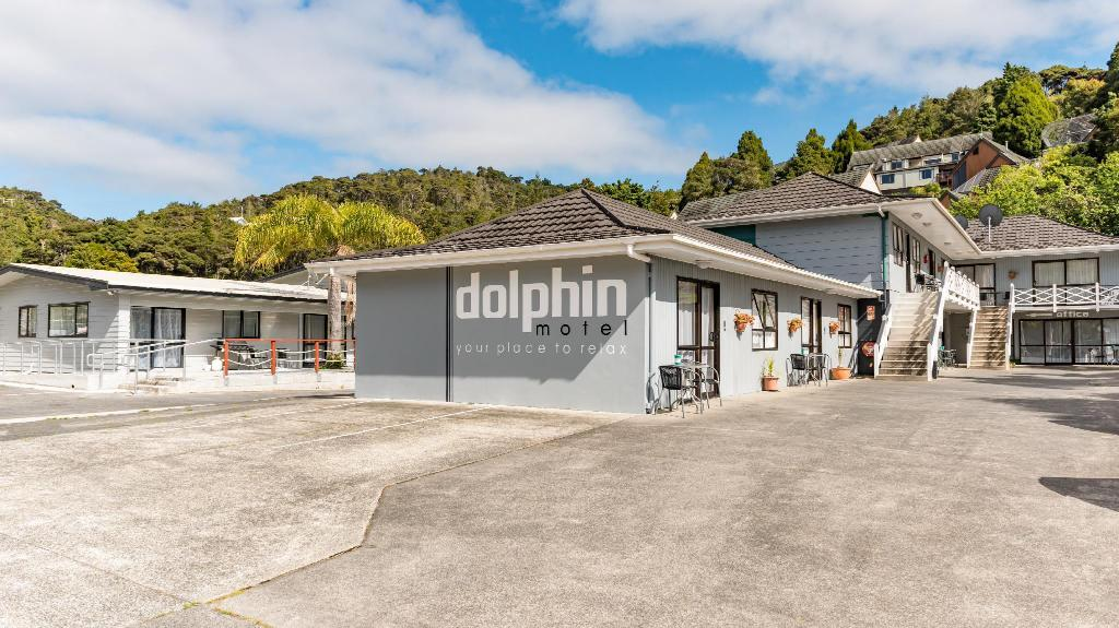 More about Dolphin Motel