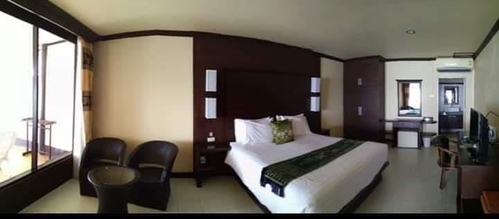 Deluxe Room with Beach Front