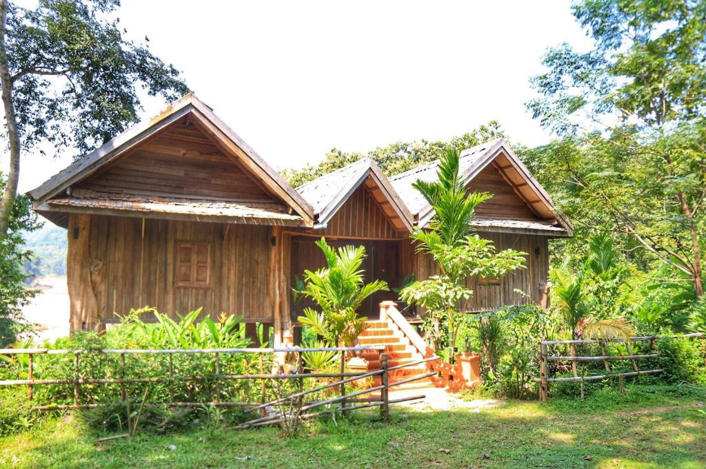 More about Mahout Lodge