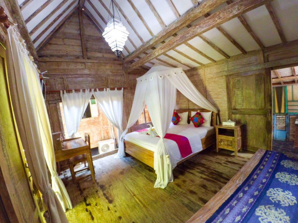 1 Bedroom Cottage - Guestroom Soputan Wooden House 2