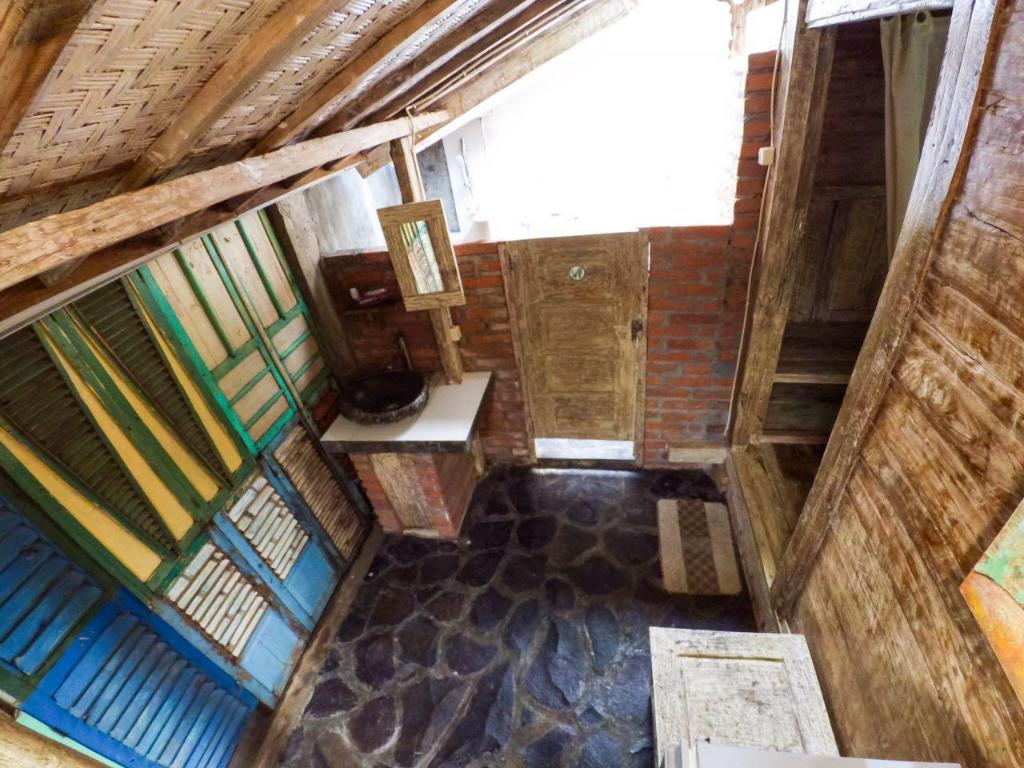 Interior view Soputan Wooden House 2