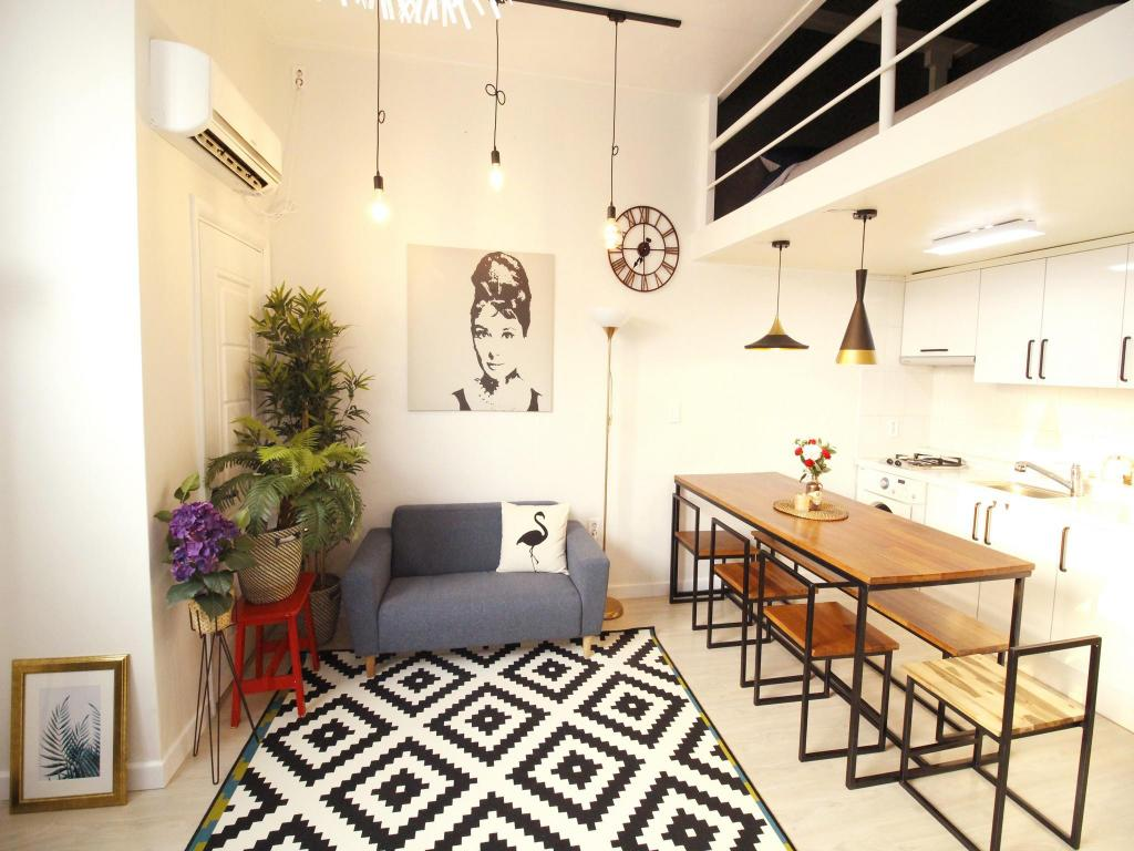Interior view White Duplex Hongdae