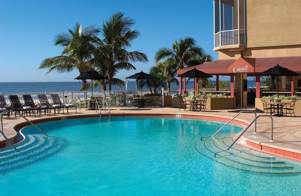 Diamond head beach resort in fort myers fl room deals photos reviews for Can head lice transfer in swimming pools