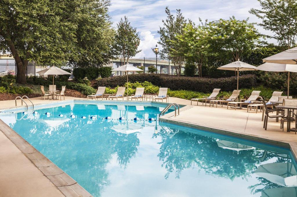 Sheraton Norfolk Waterside Hotel In Norfolk Va Room Deals Photos Reviews